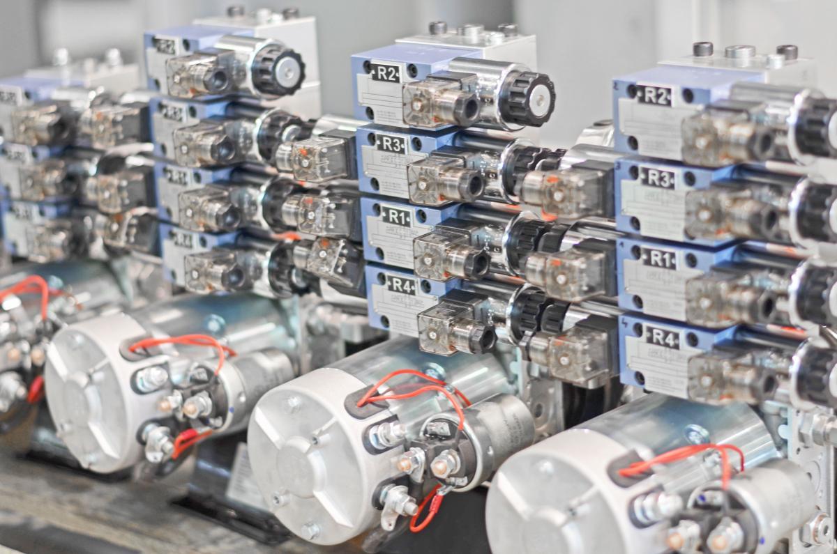 Kompaktowe układy hydrauliczne (minizasilacze)
