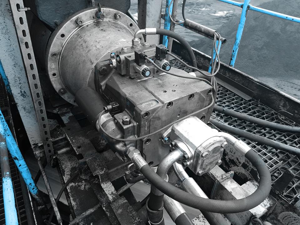 Modernizacja układu hydraulicznego ładowarko-zwałowarki